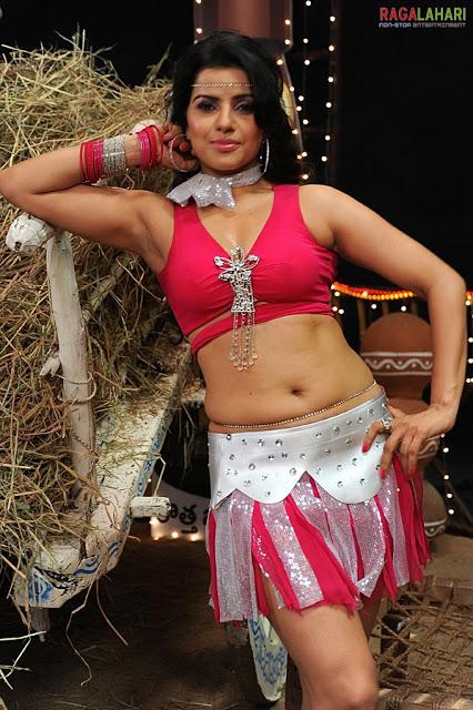 Madhu Sharma Sexy Armpit Show  Daily Bollywood And South -2852
