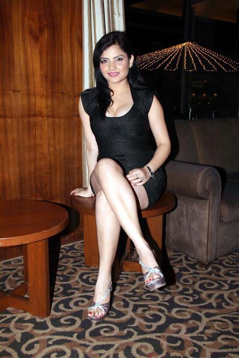 model at impatient vivek audio actress pics